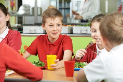 Deti v jedálni