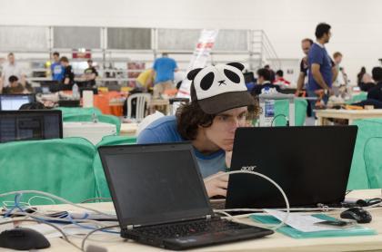V Británii reformoval informatiku. Hovorí, že deti by sa mali učiť o technológiách od narodenia