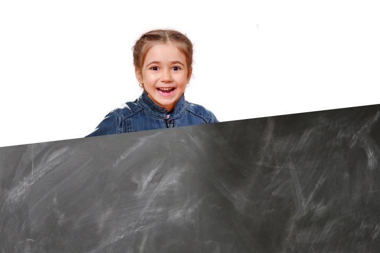 Žiaci základných a stredných škôl si prevezmú polročné hodnotenie