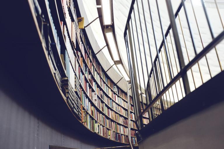 Analytici Úradu vlády sa pozrú na možnosti zlepšenia vysokého školstva