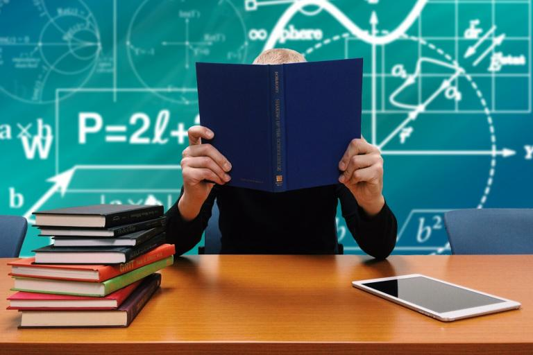 Učitelia stále nevedia, ako postupovať pri preukázaní bezúhonnosti. Od ministerstva nedostali žiadne pokyny