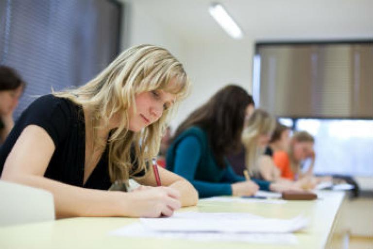 Podľa riaditeľa školy Petra Bologa sa tak škola prispôsobuje vývoju vo  svete 8e1321c1c5a